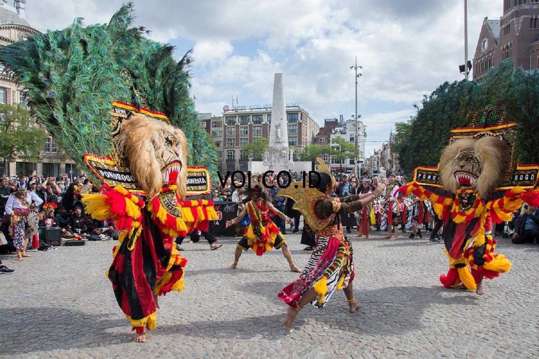 Contoh-Seni-Budaya-Nusantara-Indonesia-Reog-Ponorogo