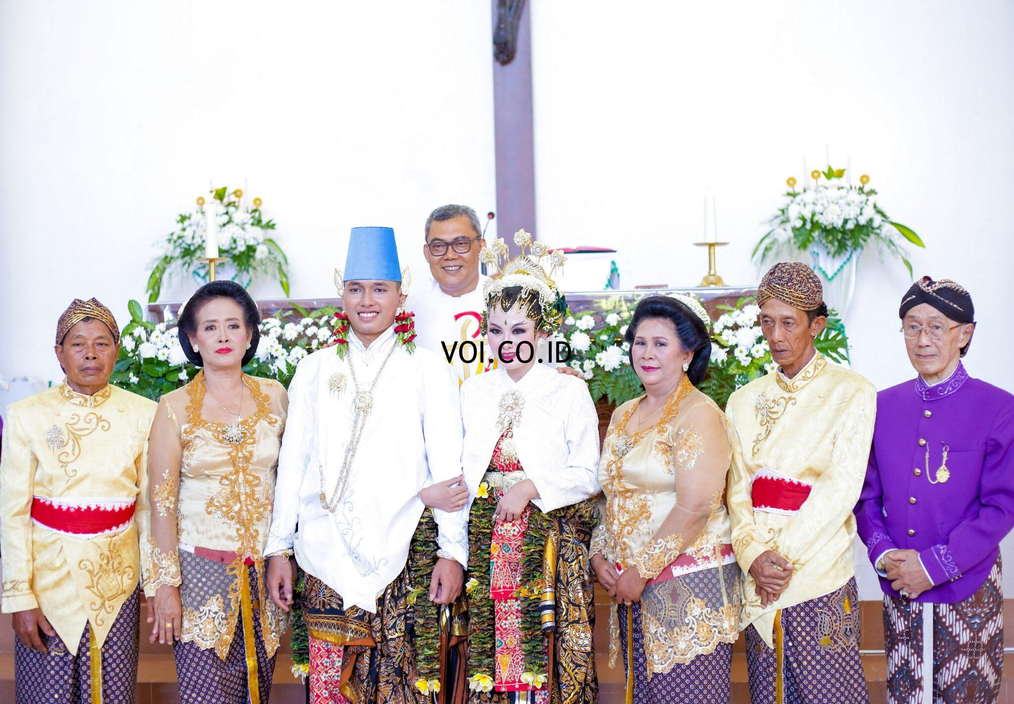Contoh-Seni-Budaya-Nusantara-Indonesia-Pakaian-Adat-Yogyakarta