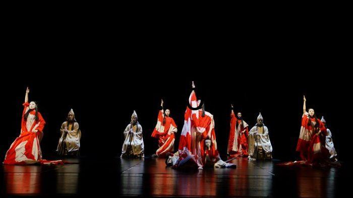 Teater-Abad-Pertengahan