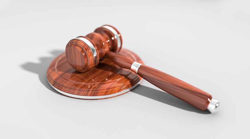Contoh-Teks-Eksposisi-Tentang-Hukum