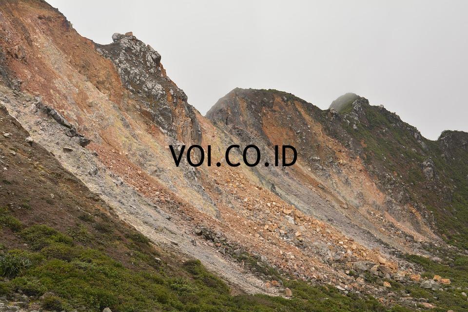 Contoh-Teks-Deskripsi-Gunung
