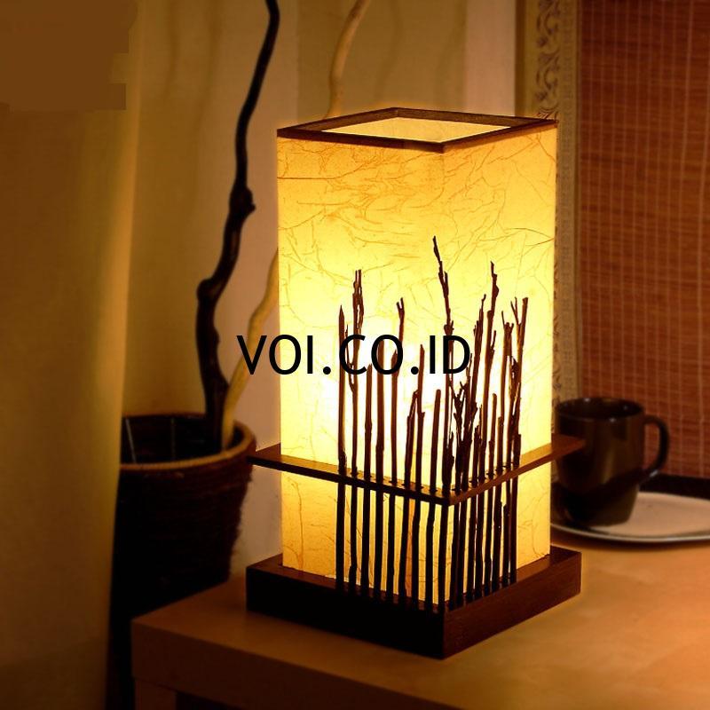 8. Hiasan Lampu Menarik Terbuat dari Kulit Jagung