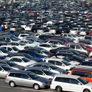 Parkir-Kendaraan-di-Area-Parkir-Samsat